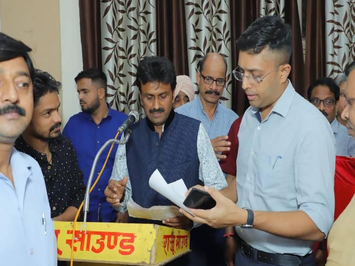 त्योहारों में अतिक्रमण हटाने के दिए गए निर्देश, समस्याओं का सामाधान करवाने का दिया आदेश|कासगंज,Kasganj - Dainik Bhaskar