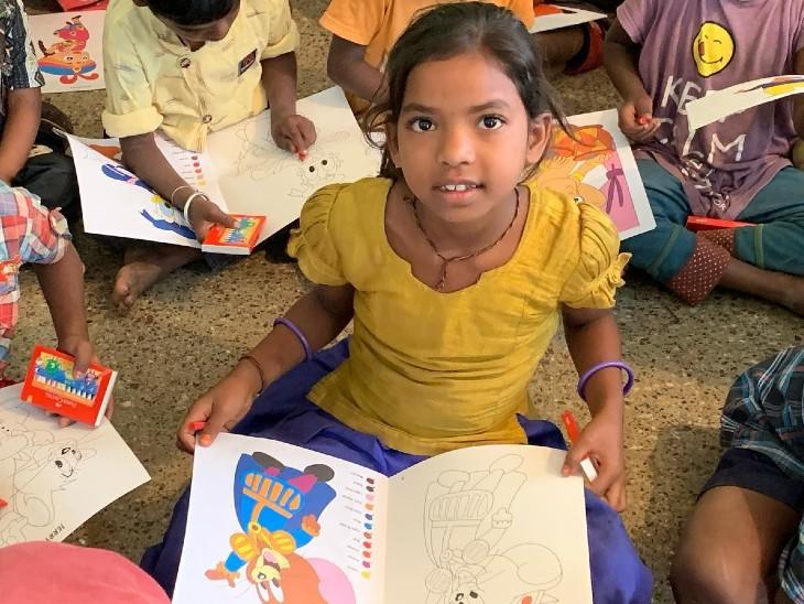कपड़े और धन के दान से खुश होती हैं मां लक्ष्मी, पढ़ाई का खर्च उठाना ही सरस्वती आराधना धर्म,Dharm - Dainik Bhaskar