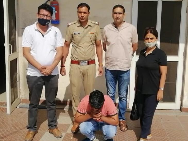 लड़की है या लड़का, ये बताने को 24 हजार में किया सौदा; मुरादनगर के लिए रवाना हुआ तो स्वास्थ्य टीम और पुलिस ने दबोचा सोनीपत,Sonipat - Dainik Bhaskar