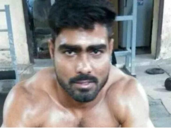 गैंगस्टर संपत नेहरा ने चूरू के हिस्ट्रीशीटर को मारने के लिए जेल से ही दो शार्प शूटरों को दी सुपारी, हथियार भी दिलवाए|चूरू,Churu - Dainik Bhaskar