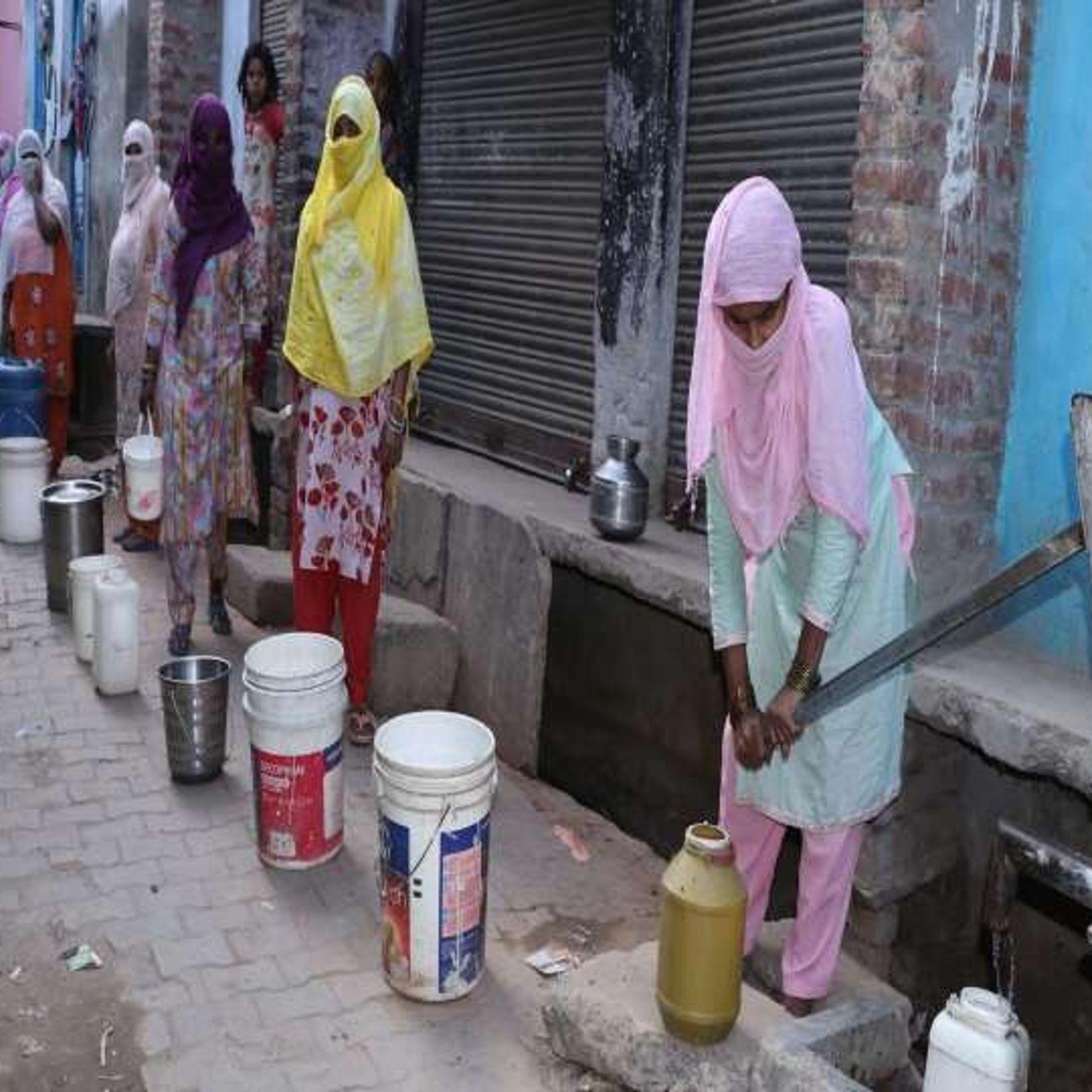 बेनाझाबर वाटर ट्रीटमेंट प्लांट से कानपुर की 20 लाख आबादी को 20 करोड़ लीटर पानी सप्लाई होता है। - Dainik Bhaskar