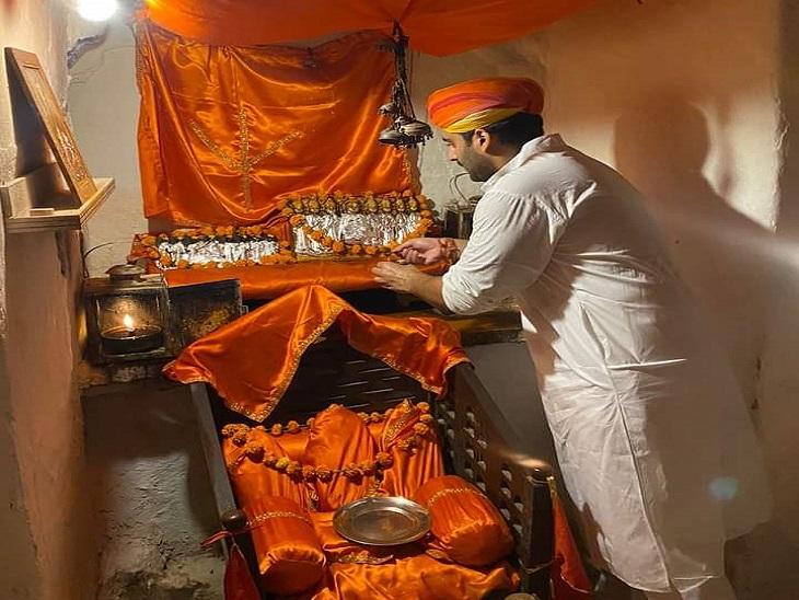 चंदू देवल माता, आशापूर्णा मंदिर सहित प्रमुख मंदिरों में हुए कई धार्मिक अनुष्ठान, शक्तिपीठों में भक्तों का लगा तांता|जैसलमेर,Jaisalmer - Dainik Bhaskar