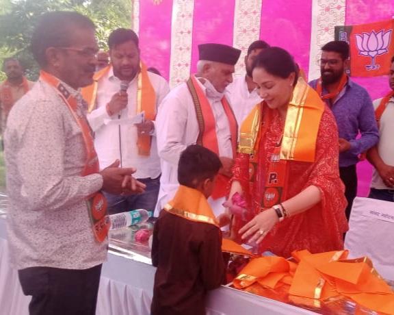 सांसद ने लालबाग वाटिका में स्वागत और सम्मान समारोह में लिया भाग। - Dainik Bhaskar
