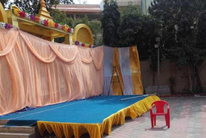 80 हजार में गार्डन बुक कर हो रहा था आयोजन,पुलिस ने बंद कराया, दो पर केस|इंदौर,Indore - Dainik Bhaskar