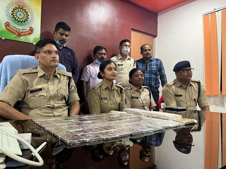 40 किलो चांदी और 4 क्विंटल तांबा जब्त: दो गिरफ्तार, एक भाग गया बिलासपुर,Bilaspur - Dainik Bhaskar