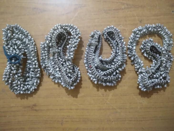 भोपाल में गिलट की दुकान पर काम कर सीखा चांदी के नकली गहने बनाना, केसली में बेचते पुलिस ने दबोचा|सागर,Sagar - Dainik Bhaskar