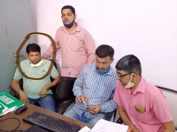 DRM ऑफिस का अकाउंटेंट ट्रेप, 4 हजार रुपए रिश्वत लेते पकड़ा जोधपुर,Jodhpur - Dainik Bhaskar