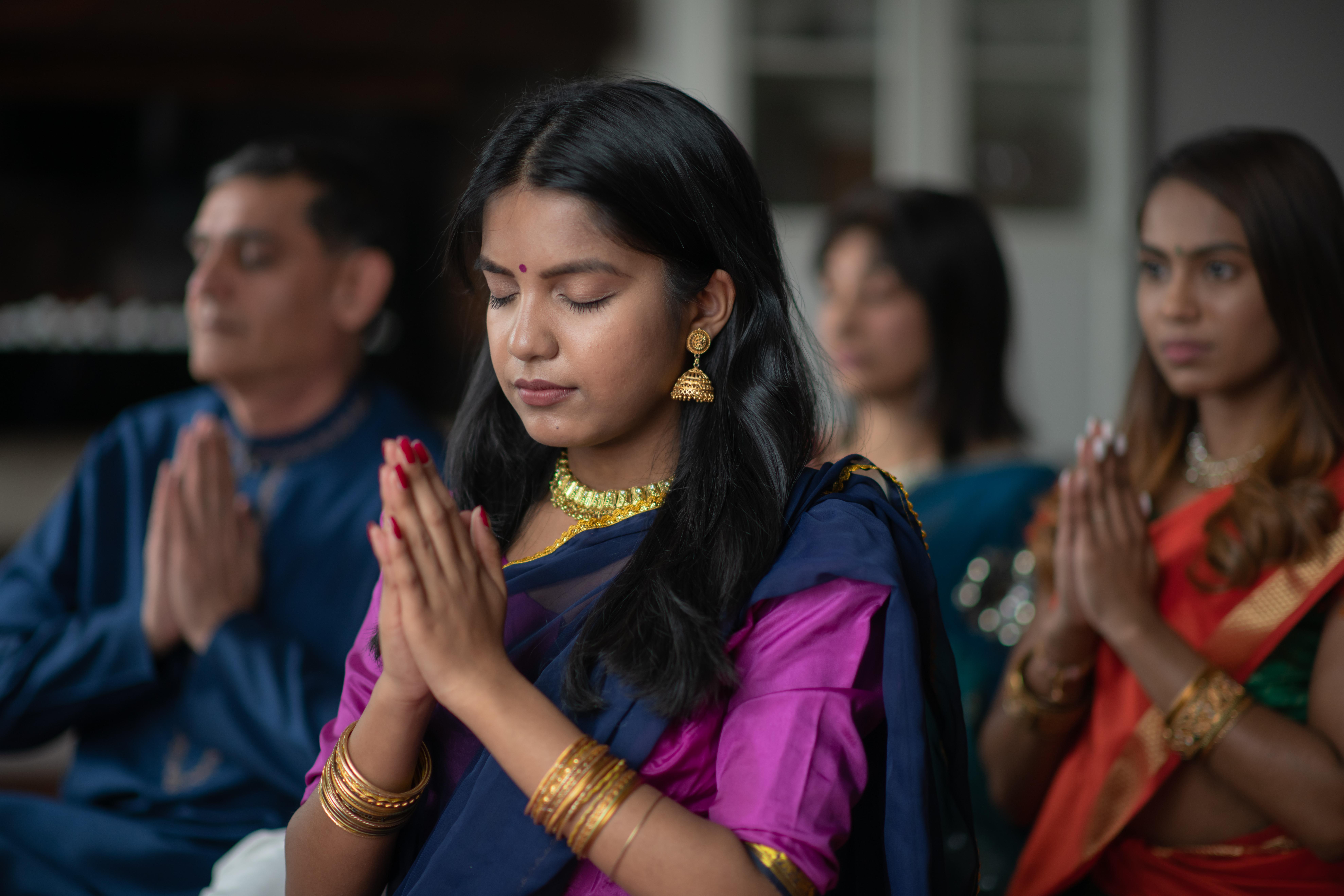 तनाव में महिलाएं पूजापाठ करती हैं