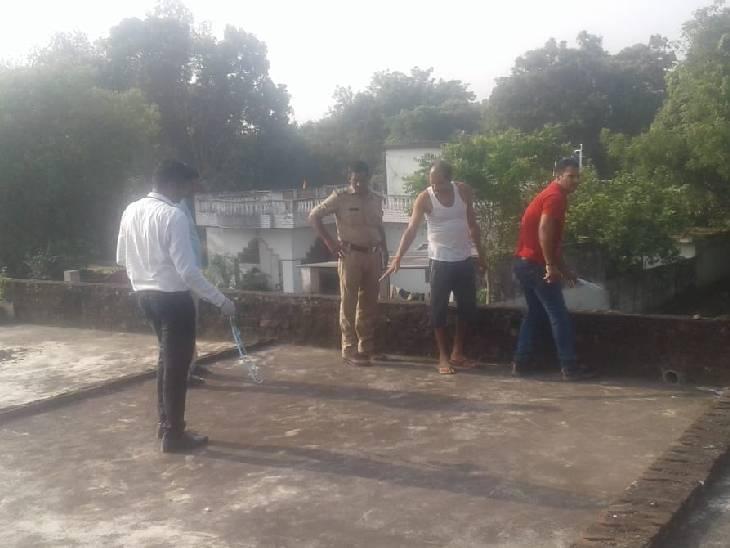 सुल्तानपुर में तीन घरों में चोरी। - Dainik Bhaskar