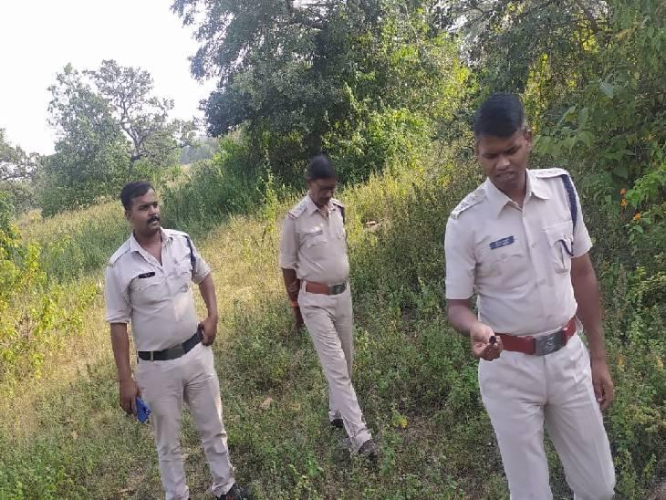 रीवा जिले में 3 चरवाहों से कुल्हाड़ी छीनकर बदमाशों ने किया हमला, फिर लूट ली 39 बकरियां, 20 बकरियां को पुलिस ने खोजा रीवा,Rewa - Dainik Bhaskar