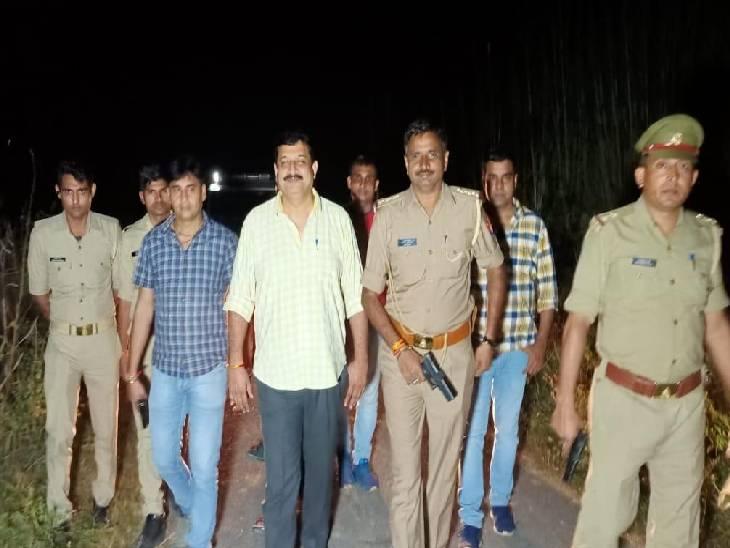 15-15 हजार के इनामी दो बदमाश गिरफ्तार, 3 अंधेरे का फायदा उठाकर हुए फरार हापुड़,Hapud - Dainik Bhaskar