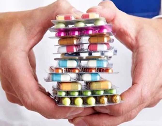 एक साल के भीतर दवाइयों के 15 से 50% तक बढ़े दाम, स्किन और मल्टी विटामिन समेत कई जरूरी दवाओं की कीमत दोगुनी रायपुर,Raipur - Dainik Bhaskar