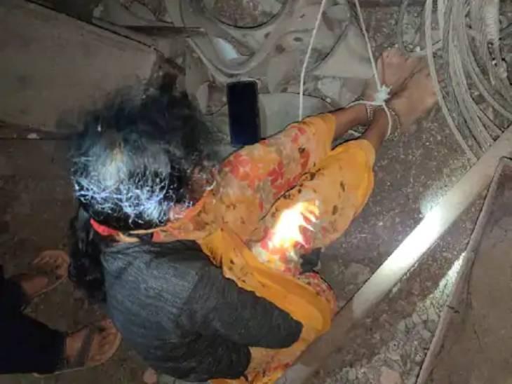 ऑडियो की जांच में जुटी पुलिस, ब्लेकमेलर मीडियाकर्मियों पर केस दर्ज कर घर-दफ्तर पर टीम तैनात उज्जैन,Ujjain - Dainik Bhaskar