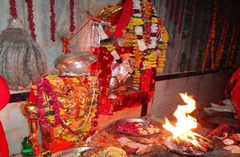 कोरोना के कारण मुख्य मेले पर रोक के बाद अब शरद पूर्णिमा पर भी सिर्फ पुजारी व सेवादार ही करेंगे नियमित पूजा, आम भक्तों के जाने पर रहेगी रोक|बीकानेर,Bikaner - Dainik Bhaskar