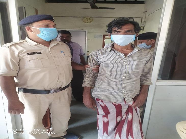 पत्नी और बच्चों के घर छोड़कर जाने से भी परेशान था, महिला की टंगिया मारकर हत्या कर दी; गिरफ्तार रायगढ़,Raigarh - Dainik Bhaskar