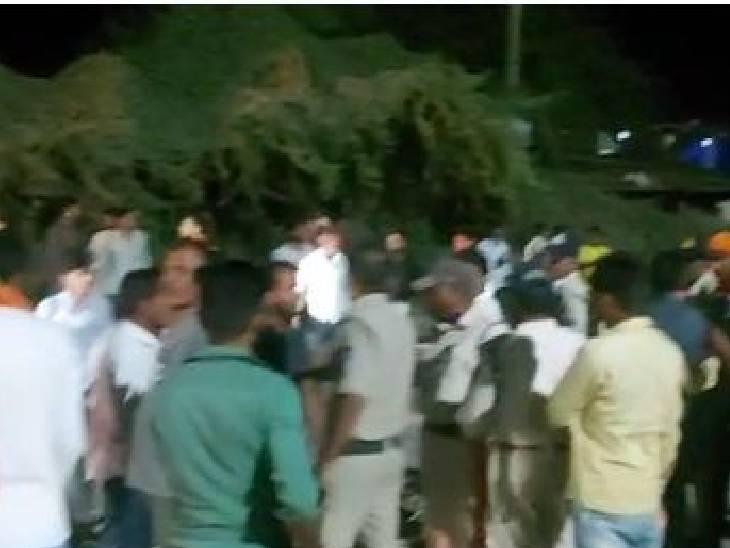 प्लांट की सफाई करते समय 2 लोग गिरे, देर रात तक नहीं निकाले शव; जाम|उज्जैन,Ujjain - Dainik Bhaskar