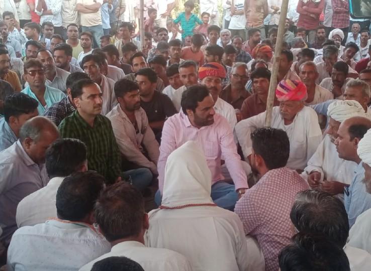 बोले- CM ने सरकार बचाने में बिगाड़ दी प्रदेश की कानून व्यवस्था, जल्द मांगे नहीं मानीं तो सरकार की ईंट से ईंट बजा देंगे नागौर,Nagaur - Dainik Bhaskar