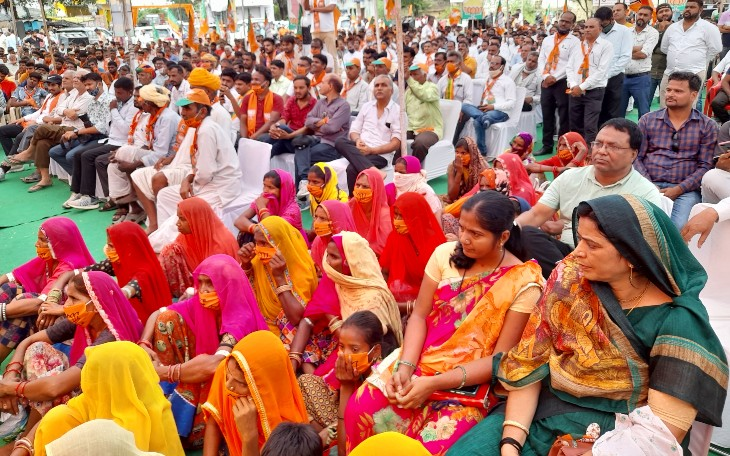 बीजेपी-कांग्रेस में टिकट के दावेदार रहे नेता उम्मीदवारों के साथ लेकिन उनके समर्थक मानने को तैयार नहीं, नाराज समर्थक बिगाड़ेंगे समीकरण|जयपुर,Jaipur - Dainik Bhaskar