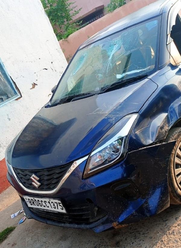 इसी कार से आए थे चारों अपराधी। पुलिस ने इस कार को जब्त कर लिया है।