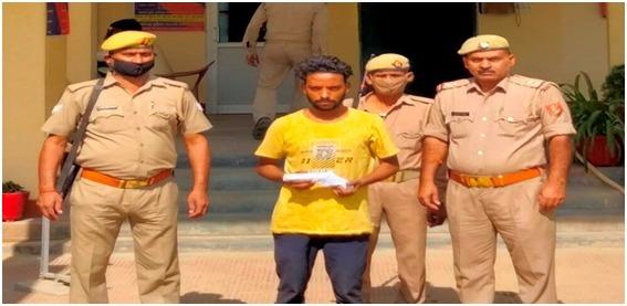 पुलिस की गिरफ्त में आरोपी शेर मोहम्मद - Dainik Bhaskar