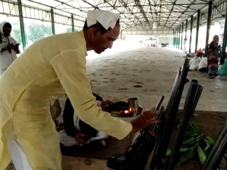 हमीरपुर में विजयादशमी पर कार्यक्रम का आयोजन, भूतपूर्व सैनिकों ने बताया शस्त्रों के सम्मान का महत्व|हमीरपुर,Hamirpur - Dainik Bhaskar