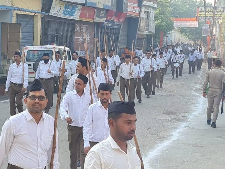 किया गया शस्त्र पूजन, जगह जगह तैनात रही 3 थानों की फोर्स|संभल,Sambhal - Dainik Bhaskar