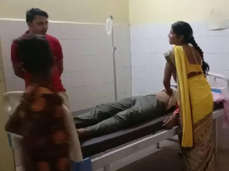 पान की दुकान के पास अचानक गिर गया, अस्पताल पहुंचने पर गई जान बांदा,Banda - Dainik Bhaskar