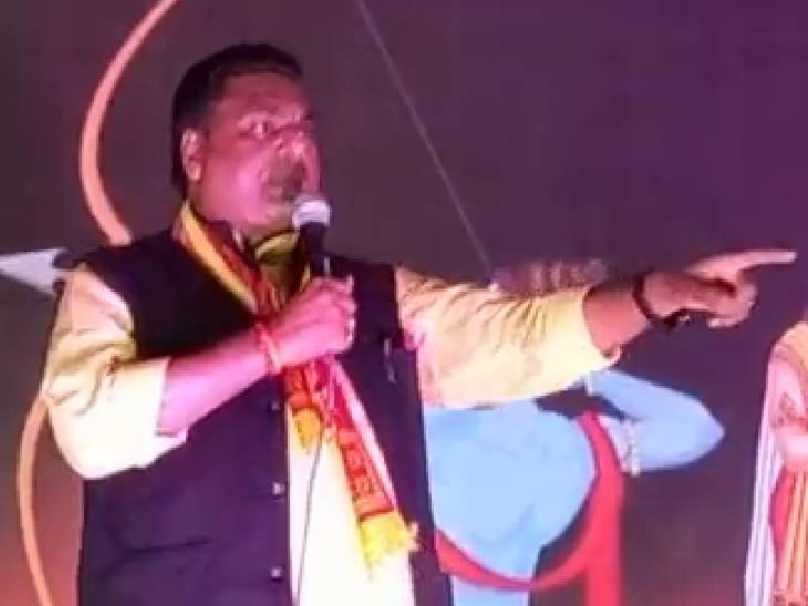 रामलीला के मंच से कहा-तालिबानी भाषा बोलने वालों की जुबान काट देंगे, इनको न टिकने देंगे-न पनपने देंगे|संभल,Sambhal - Dainik Bhaskar