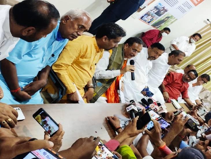 कहा- विजय यात्रा वाले पराजय यात्रा के लिए भी रहें तैयार, बरसात के बाद बनेंगी टूटी सड़के फर्रुखाबाद,Farrukhabad - Dainik Bhaskar