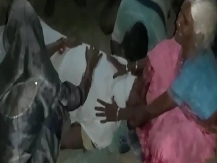 ओवरटेक करने के चक्कर में हुआ हादसा, आरोपी ने बिहार के दुर्गावती थाने में किया आत्मसमर्पण|चंदौली,Chandauli - Dainik Bhaskar