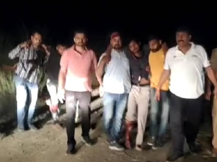 चोरी की कार से जा रहे थे 3 बदमाश, रोकने पर की फायरिंग; 2 घायल, एक फरार|फतेहपुर,Fatehpur - Dainik Bhaskar