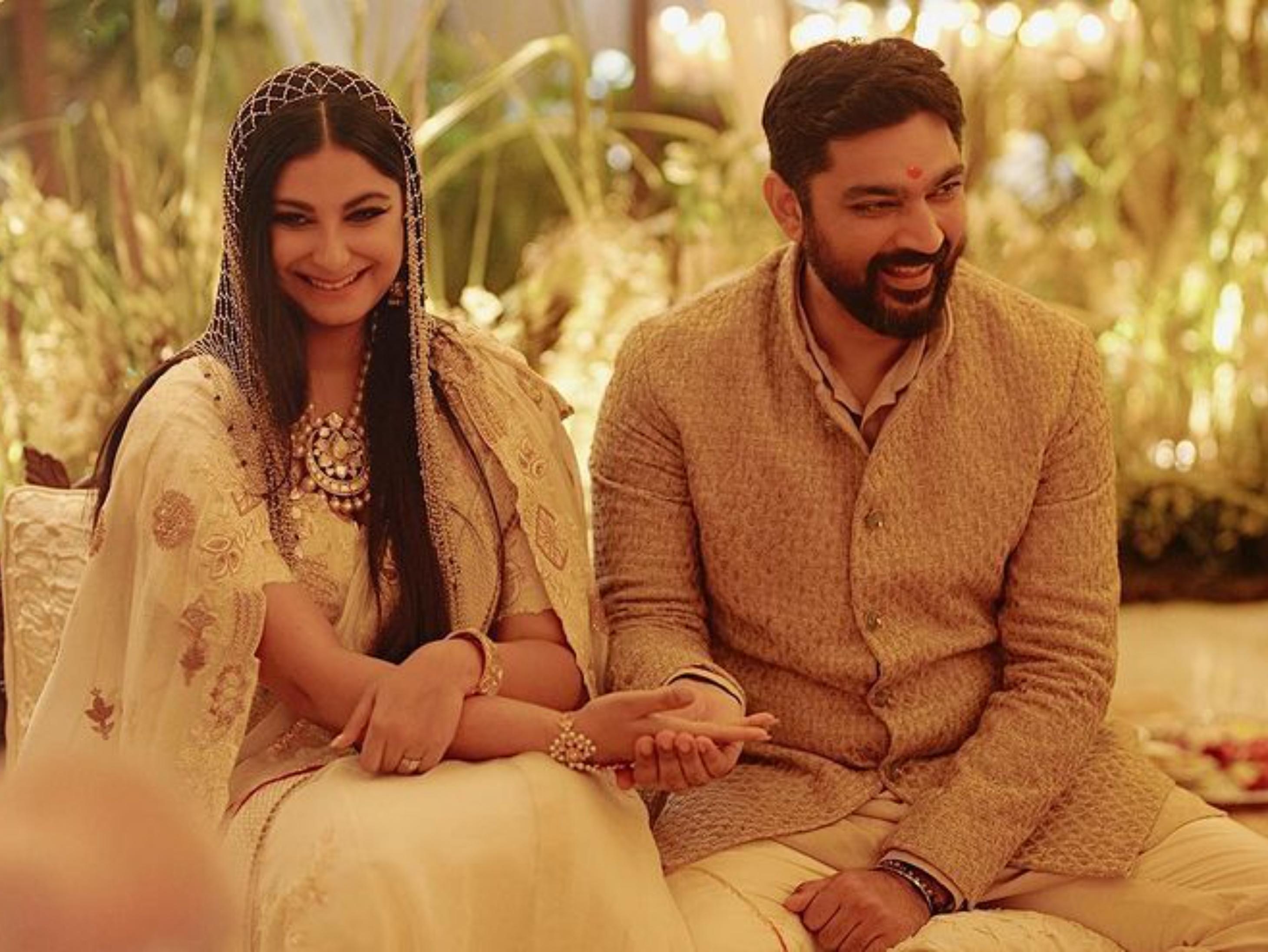 रिया कपूर को करवा चौथ में विश्वास नहीं है, इसलिए उससे जुड़ा कोई विज्ञापन भी नहीं करेंगी|बॉलीवुड,Bollywood - Dainik Bhaskar