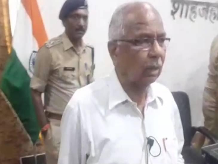 तमंचा जेब में रखकर कोर्ट के गेट नंबर 4 से घुसा...गोली दागी और भीड़ के साथ निकल गया|शाहजहांपुर,Shahjahanpur - Dainik Bhaskar