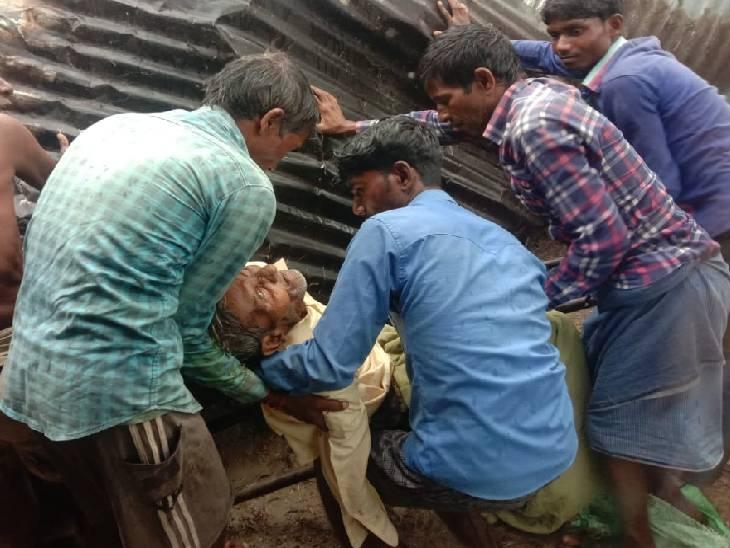 भारी बरसात के चलते हुआ हादसा, अस्पताल में इलाज के दौरान गई जान लखीमपुर-खीरी,Lakhimpur-Kheri - Dainik Bhaskar