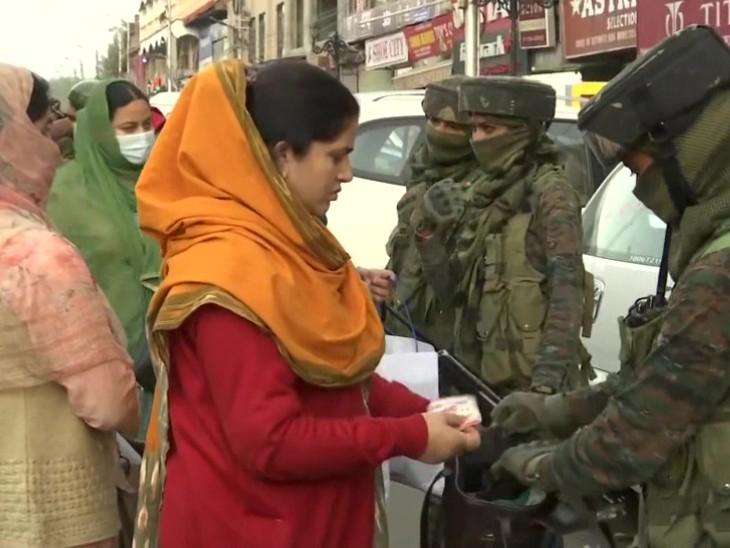 श्रीनगर में महिला सैनिकों की तैनाती, गैर कश्मीरियों पर हमलों के बाद लिया फैसला|देश,National - Dainik Bhaskar