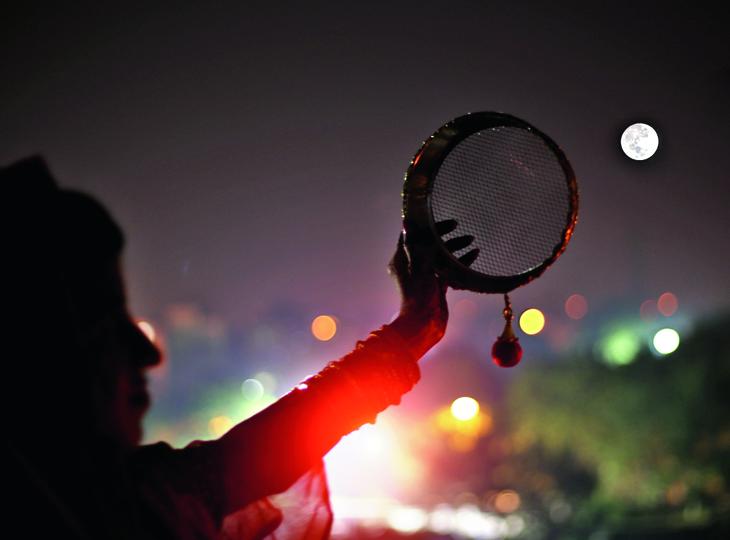 चांद की पूजा इतनी अहम क्यों होती है? मधुरिमा,Madhurima - Dainik Bhaskar