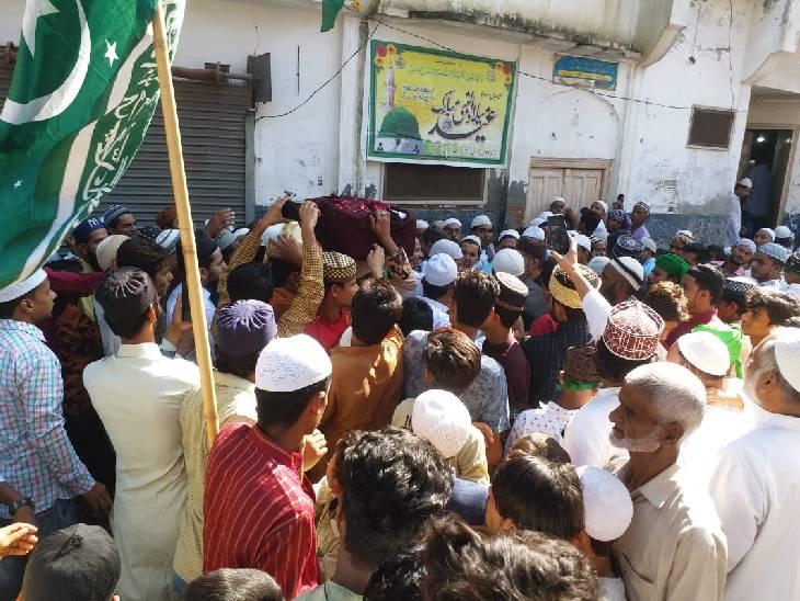 अनुमति न मिलने के कारण नहीं निकला जुलूस, भारी पुलिस बल के साथ एसपी,एएसपी ने किया गश्त|संभल,Sambhal - Dainik Bhaskar