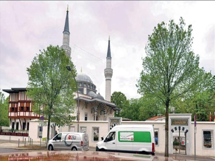 70 हजार मस्जिदों में अजान के लाउडस्पीकरों की आवाज घटाई, लोग कर रह थे अवसाद-चिड़चिड़ेपन की शिकायत|विदेश,International - Dainik Bhaskar