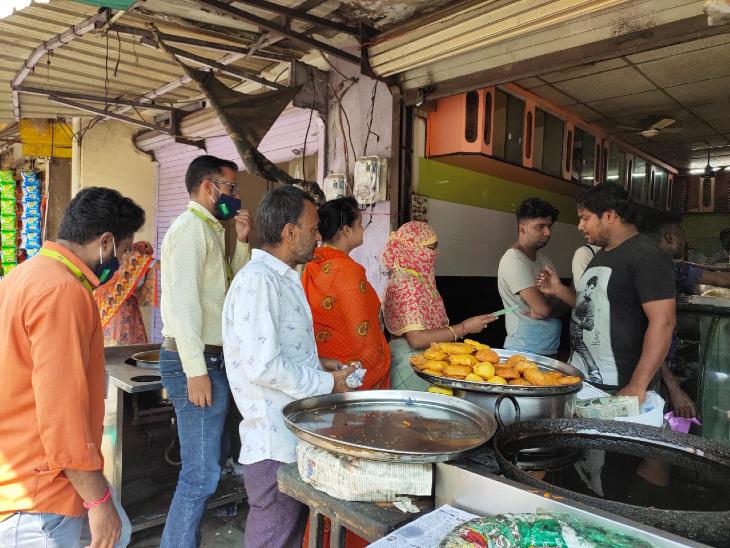 रतलाम शहर में चाइल्ड लाइन की टीम ने की कार्रवाई, बच्चों से करवाया श्रम तो मिलेगा दंड|रतलाम,Ratlam - Dainik Bhaskar