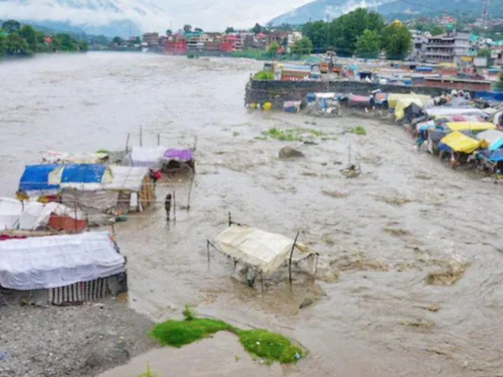 नेपाल में बाढ़ से तबाही; लैंडस्लाइड की घटनाओं में 21 लोगों की मौत, 24 लापता|देश,National - Dainik Bhaskar