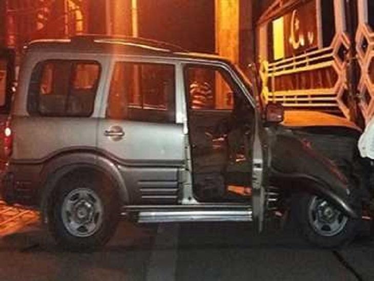 रात 2 बजे तेज रफ्तार गाड़ी इंटीग्रेटेड चेक पोस्ट के सामने पहुंची; चालक हिरासत में, नहीं मिले कागज अमृतसर,Amritsar - Dainik Bhaskar