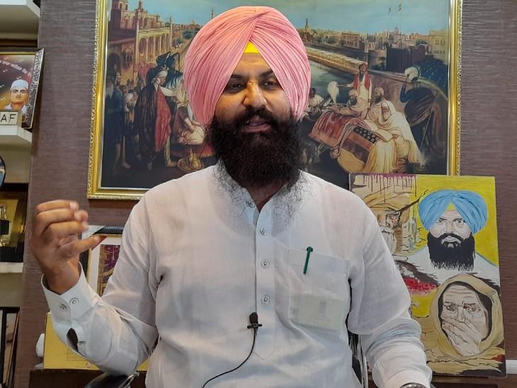 महिला ने वापस ली दुष्कर्म की शिकायत; अब अकाली प्रत्याशी और कांग्रेस नेता पर लगाए गंभीर आरोप अमृतसर,Amritsar - Dainik Bhaskar
