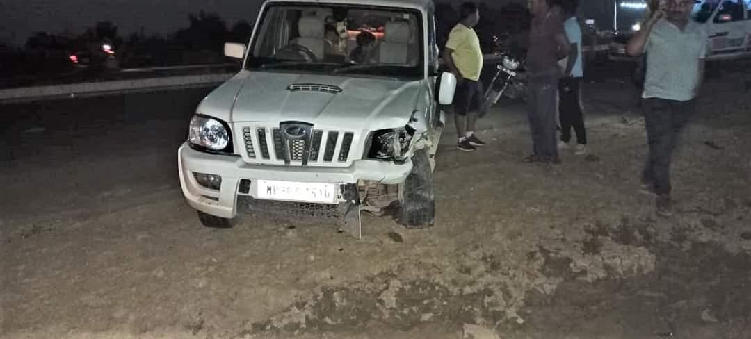स्कॉर्पियो-बाइक में तेज भिड़ंत, दो लोग घायल|होशंगाबाद,Hoshangabad - Dainik Bhaskar