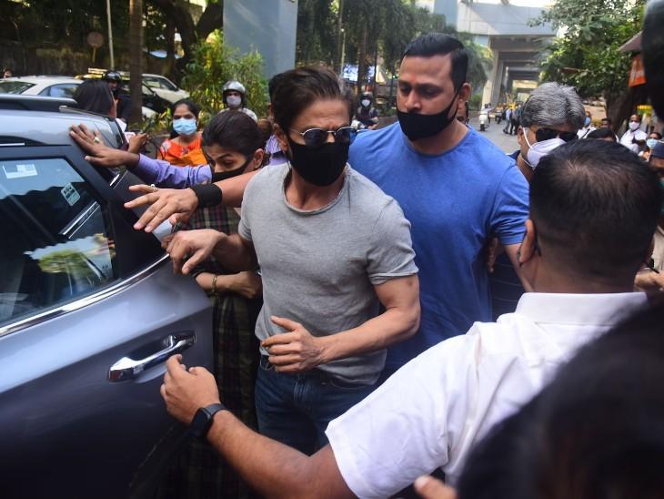 जेल में शाहरुख ने 18 मिनट बिताए, आर्यन समेत सभी 8 आरोपियों की न्यायिक हिरासत 30 अक्टूबर तक बढ़ी|बॉलीवुड,Bollywood - Dainik Bhaskar
