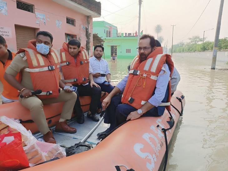मुरादाबाद में हाईवे खुला, रेल संचालन भी पटरी पर लौटा, रामपुर के 100 गांव अभी भी बाढ़ में डूबे रामपुर,Rampur - Dainik Bhaskar