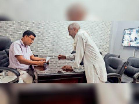 सीएम फ्लाइंग की जांच के बाद दोनों मिलों पर 10-10 हजार रुपए जुर्माना करनाल,Karnal - Dainik Bhaskar