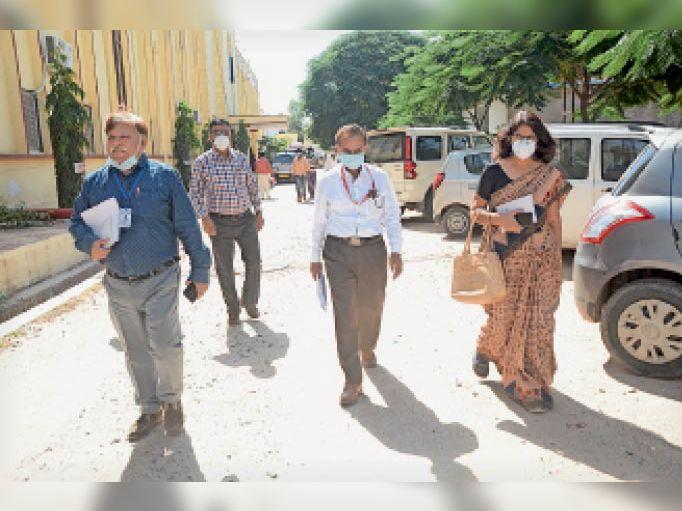 स्वास्थ्य निदेशालय की टीम ने लिया व्यवस्थाओं का जायजा|सीकर,Sikar - Dainik Bhaskar