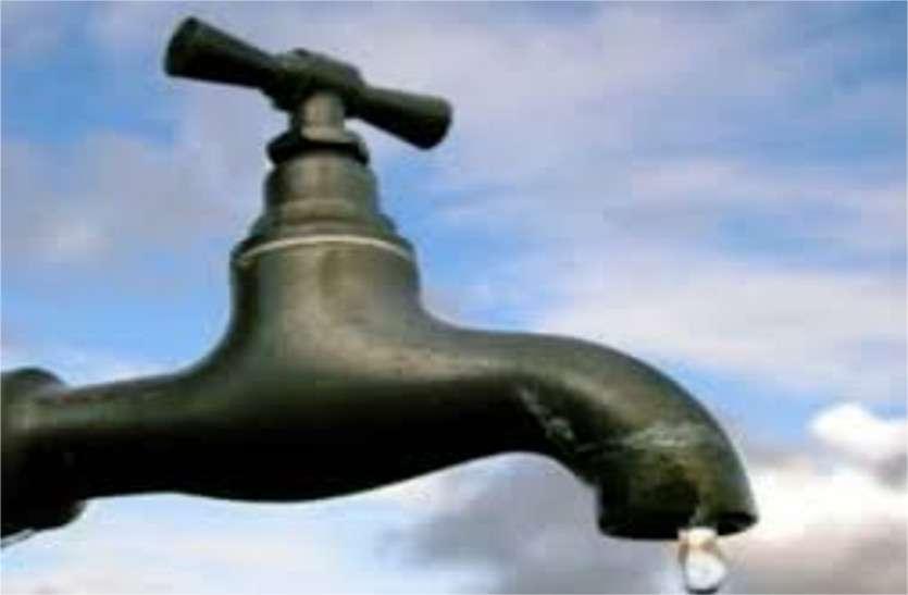 तीसरे दिन भी नलों में नहीं आया पानी, निगम के खिलाफ लोगों में आक्रोश; उपचुनाव में कांग्रेस ने बनाया मुद्दा|खंडवा,Khandwa - Dainik Bhaskar
