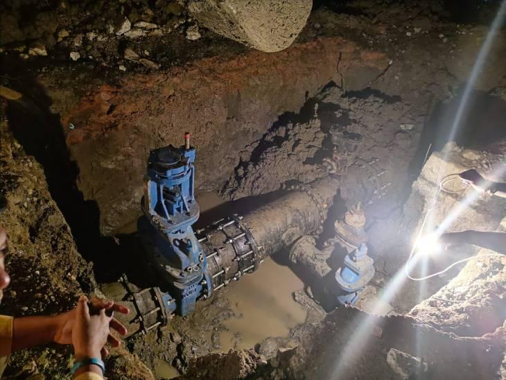 रात 2 बजे सुधरा लीकेज, सुबह तक भरी गई टंकियां; फिर सप्लाई शुरू की|भोपाल,Bhopal - Dainik Bhaskar