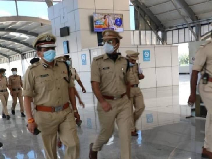 पीएम दौरे के पहले तैयारी; थाने के रिकॉर्ड, बल और अपराध की समीक्षा की|भोपाल,Bhopal - Dainik Bhaskar
